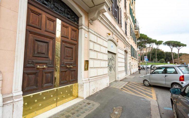 BQ_House_castello_portone